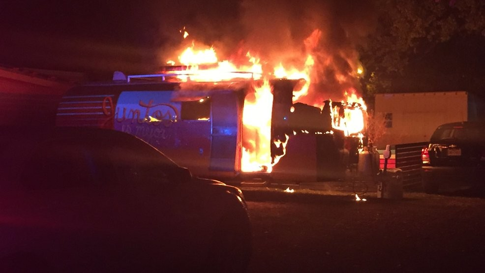 Fire damages food truck in Central Austin