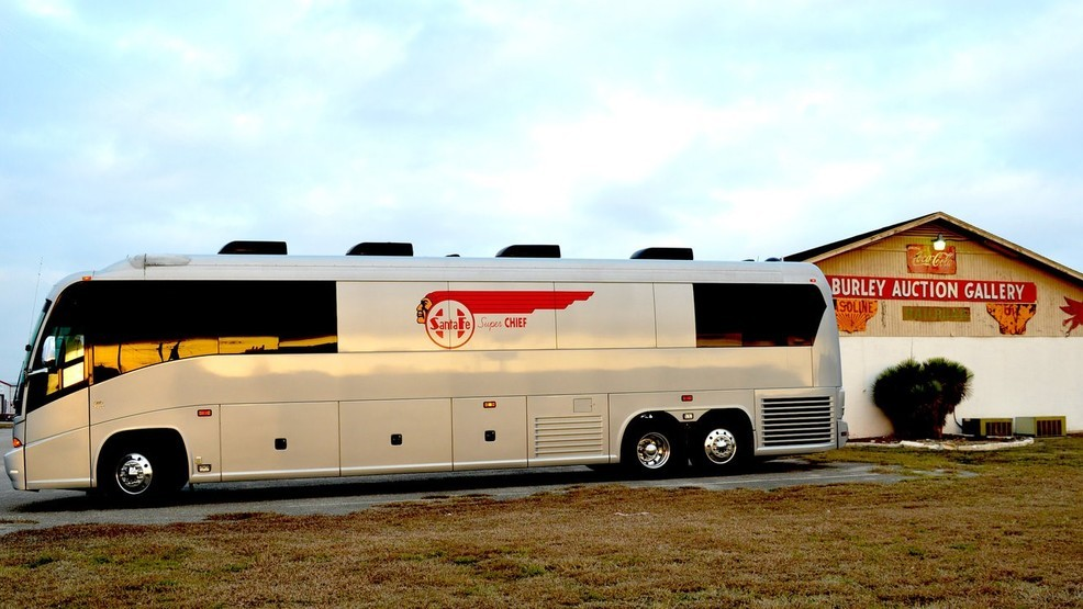 Texas auction set for country star Merle Haggard's tour bus