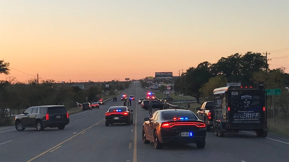 One person killed in rollover crash east of Liberty Hill | KEYE
