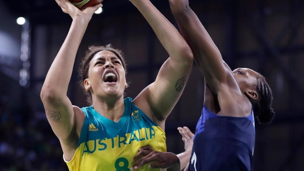 6-foot-8 Liz Cambage back in WNBA, playing for Dallas Wings