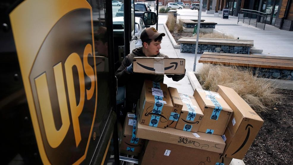 Ups Package Delivery Driver Pay >> Ups Plans To Hold Holiday Hiring Steady At About 100 000 Keye