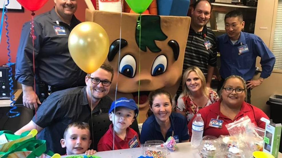 H E B In Cedar Park Throws 4 Year Old Boy A Birthday Party